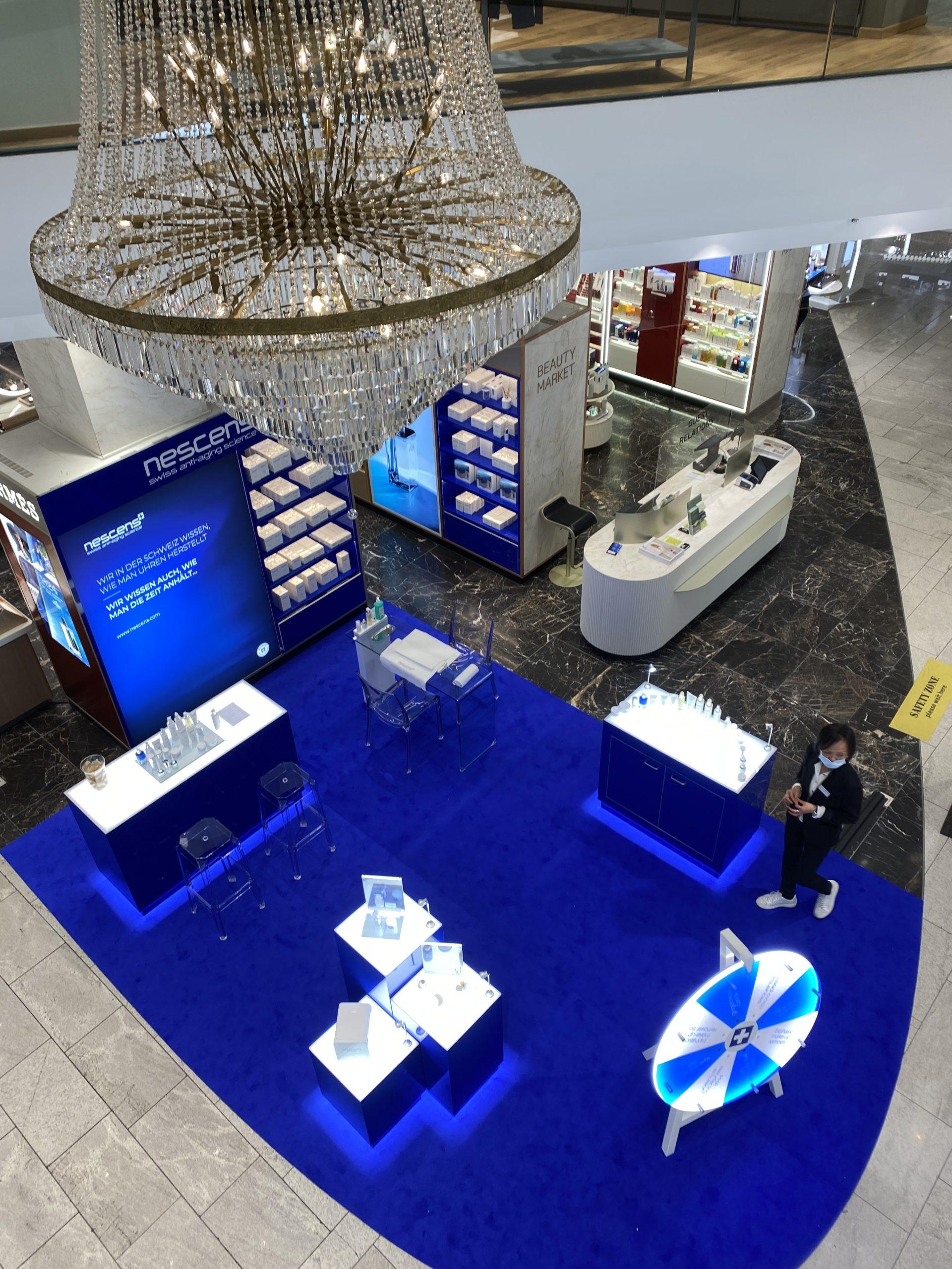 Exhibición nueva Nescens en la lujuriosa tienda departamental Jelmoli en Zurich 3