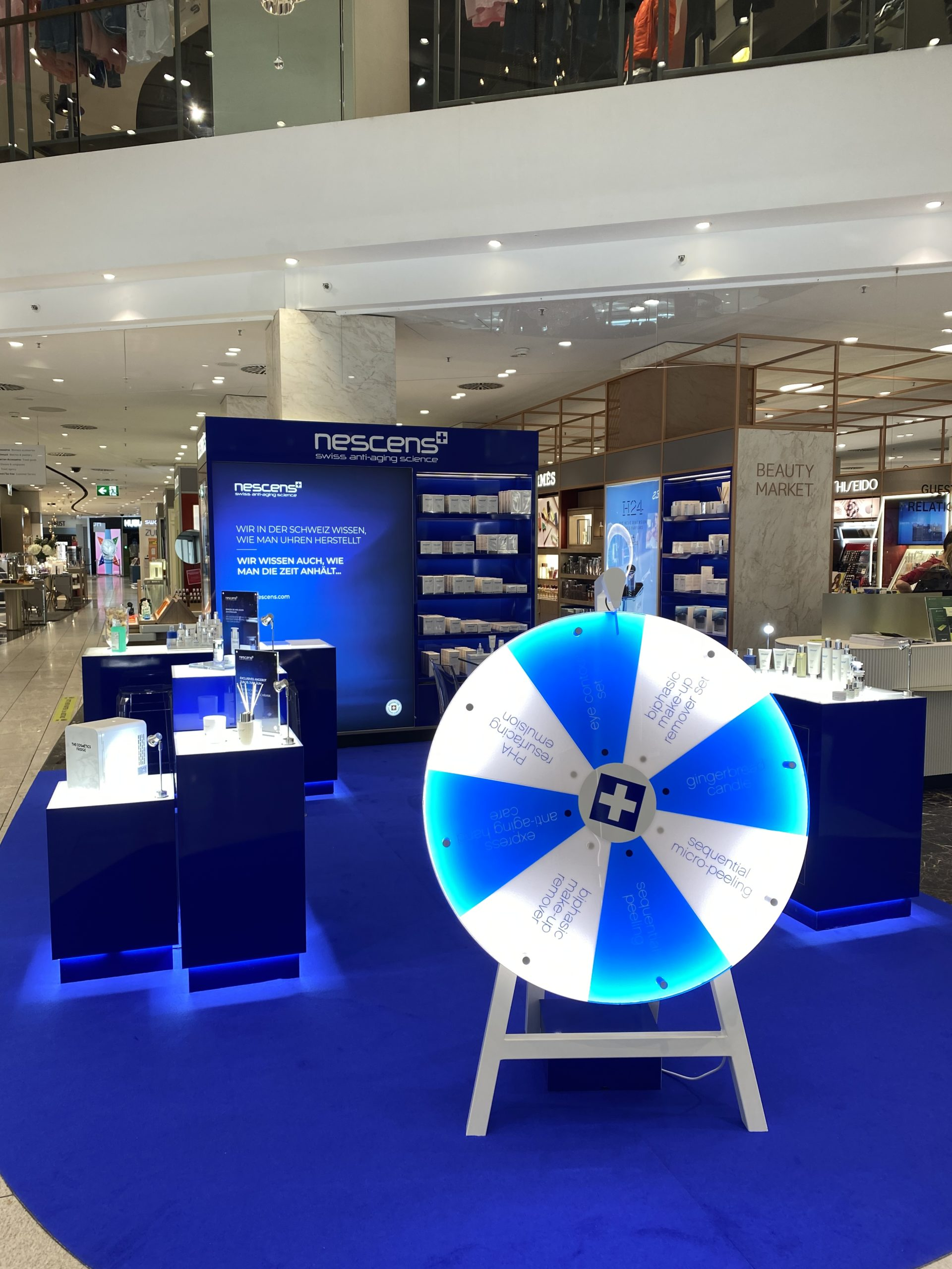 Exhibición nueva Nescens en la lujuriosa tienda departamental Jelmoli en Zurich 1